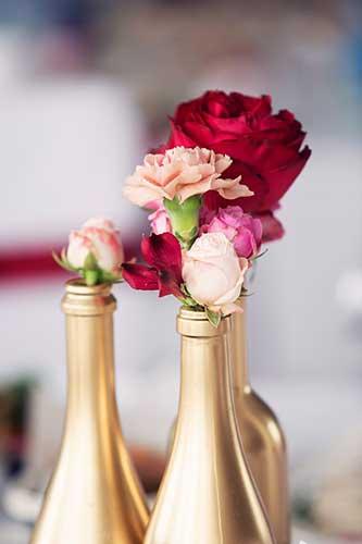 dessert-bar-decor-flowers-in-wine-bottles-web.jpg