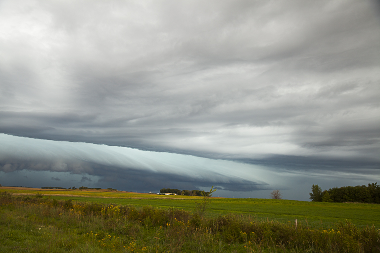 Arcus (Shelf cloud) looking Northwest from HighWay 20 south of Alden, Iowa, Photo by Craig Johnson