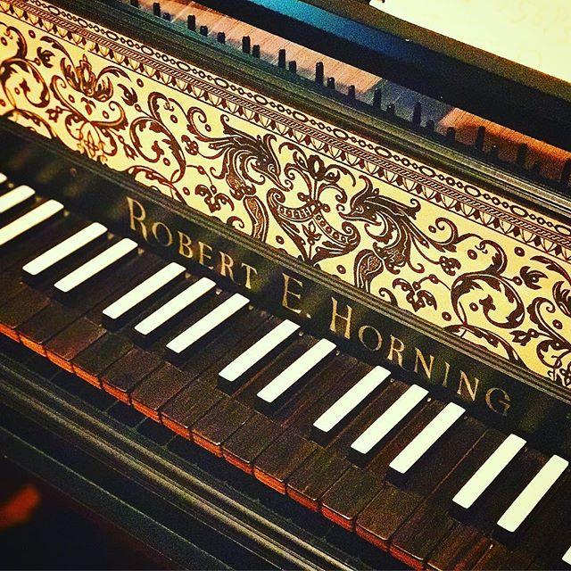 """If you fell down yesterday, stand up today."" 🎹 — H. G. Wells* * * * * * * #piano #pianos #instapiano #pianist #pianista #pianistas #pianoplayer #pianokeys #piano🎹 #pianolessons #pianoteacher #blackandwhitekeys #pianopiano #inspirationalquotes #quotes #qotd #pdxmusic #portlandmusic #pdxmusicscene #portlandmusicscene #classicalmusic #classicalmusician #musiclover #musiclovers #musicstudent #musicstudents #pianostudent #jj_musicmember #musicaclassica"