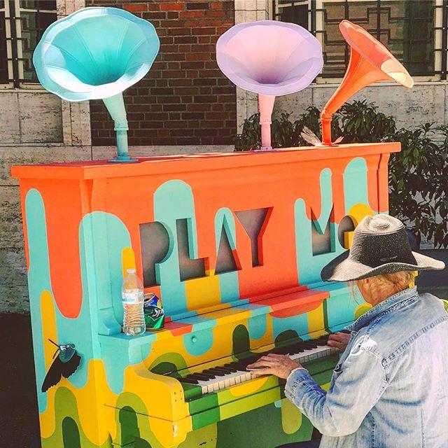 #PLAYme: 🎨 @portlandartmuseum. 🎹 * * * * * * * #piano #jj_colorlove #jj_colorful #jj_colors #colors #streetphotography #streetart #portlandartmuseum #portlandart #keepportlandweird #youcaninportland #happeninginpdx #pianist #pianista #pianoplayer #pianos #pianomusic #pianogram #pdxart #pdxarts #streetmusic #streetmusician  #streetmusicians #playpiano #pdxmusic #pdxmusicscene #musicislife #musicismylife #jj_musicmember