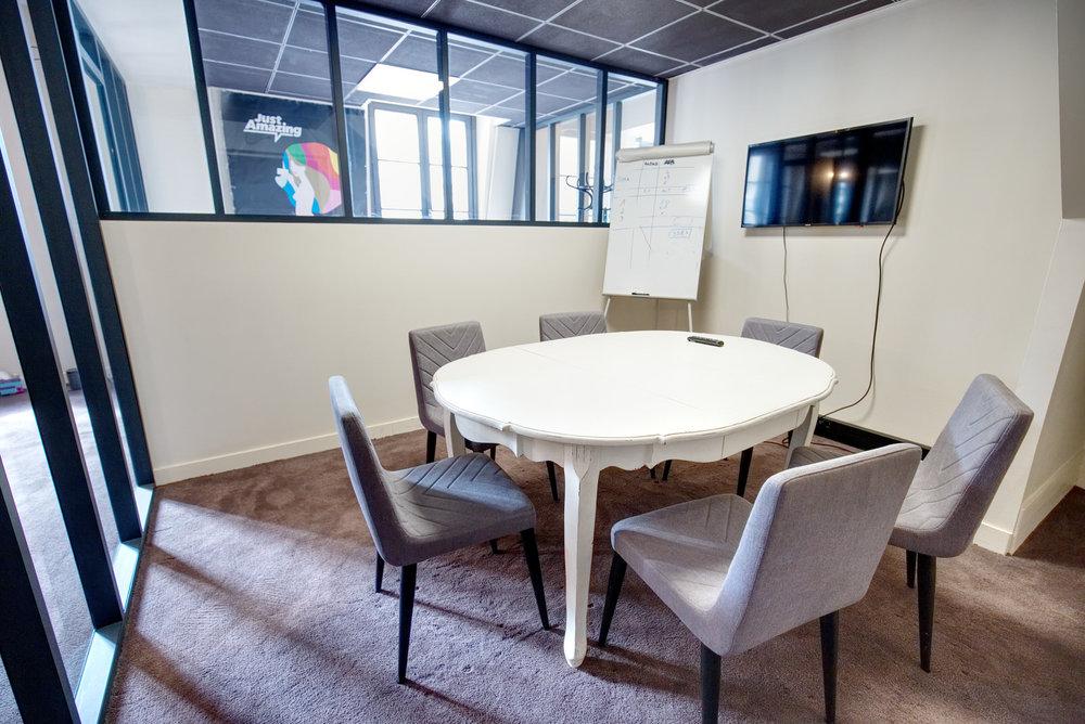 Salle reunion 6 pax - espace de coworking a paris - Remix.jpg