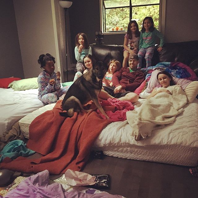 The aftermath of the most epic slumber party ever...complete with a surprise appearance from @sleigh00 #slumberparty #somanykids #nineyearsold #girlpower @jenne8119 @20lou08 @startersauce