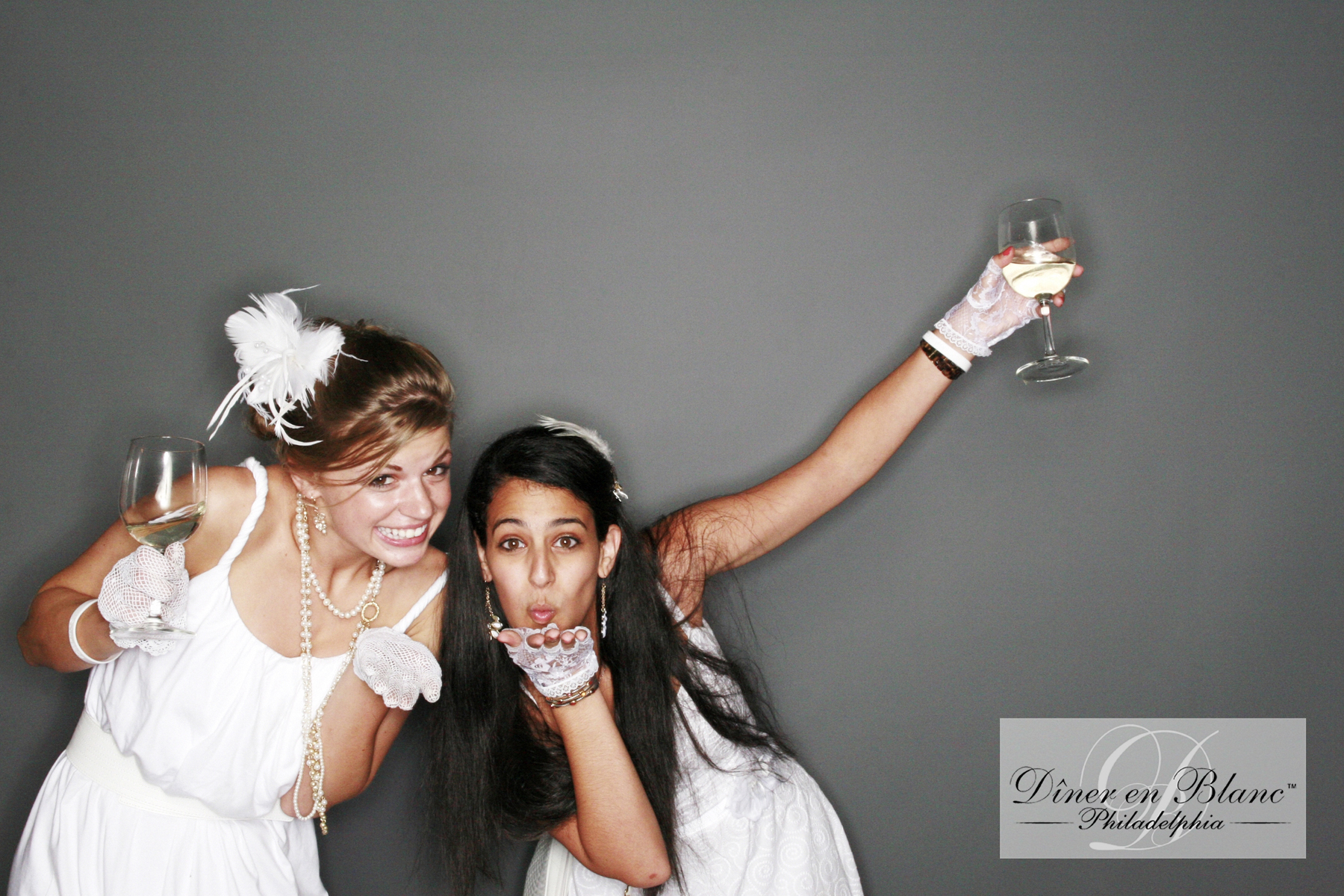 Philadelphia photo booth Diner en Blanc blowing kisses