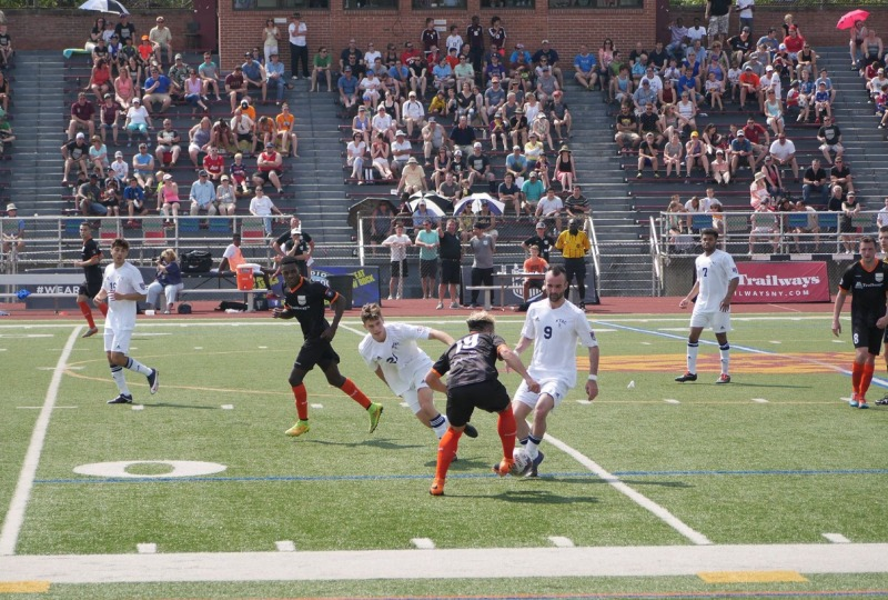 Patrick Alvarez controls the ball in front of a crowded Dietz Stadium. (Photo by Kashka Glowacka)
