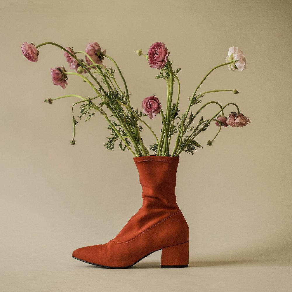 BalanceShoe.SuzanneSaroff.jpg