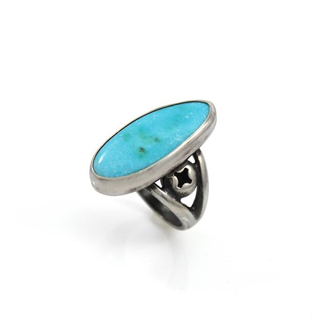 TheKingman TurquoiseMine in theAcerbate Mountainsis one of the oldest and highest producingTurquoiseMines in America.  This Ring features 8.75 cts of Natural Kingman Turquoise set in Sterling Silver with little accent screws on both sides.  25% off until March 17th using code PATTYSLUCK  #blue #green #turquoise #natural #stone #ring #screws #tools #silver #metalwork #handmade #jewelry #luxury #style  #fashion #madewithlove #elegant #fun #kingman #kingmanturquoise #NativeAngelsJewelry #AngelinaSmithery