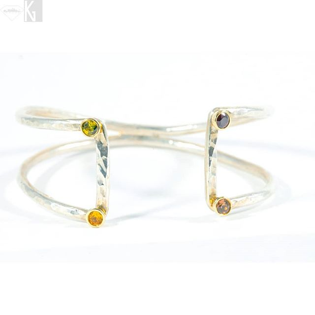 Open Air Box Cuff, Point and Line to Plane: Sterling Silver, 14k gold with natural Sapphires, notice the bi-colored green and yellow in the upper L corner! 💚😍💛 Receive 25% off through St Patrick's Day with code PATTYSLUCK 🍀💚🍀 . . . Visit www.nativeangelsjewelry.com 💛💚💛 DM or email NativeAngelsJewelry@gmail.com for info. . . . #openairboxcuff #pointandlinetoplane #kandinsky #inspiration #transcend #thinkbigger #thereisnobox #boxcuff #negativespace #SterlingSilver #14kgold #sapphire #gemstones #gems #oneofakind #futureheirlooms #avantgarde #trendsetter #settingtrends #jewelrygram #jewelrygoals #finejewelry #golden #igers #igdaily #madeinla #madeintheusa #handmade #kristinagracedesigns #nativeangelsjewelry
