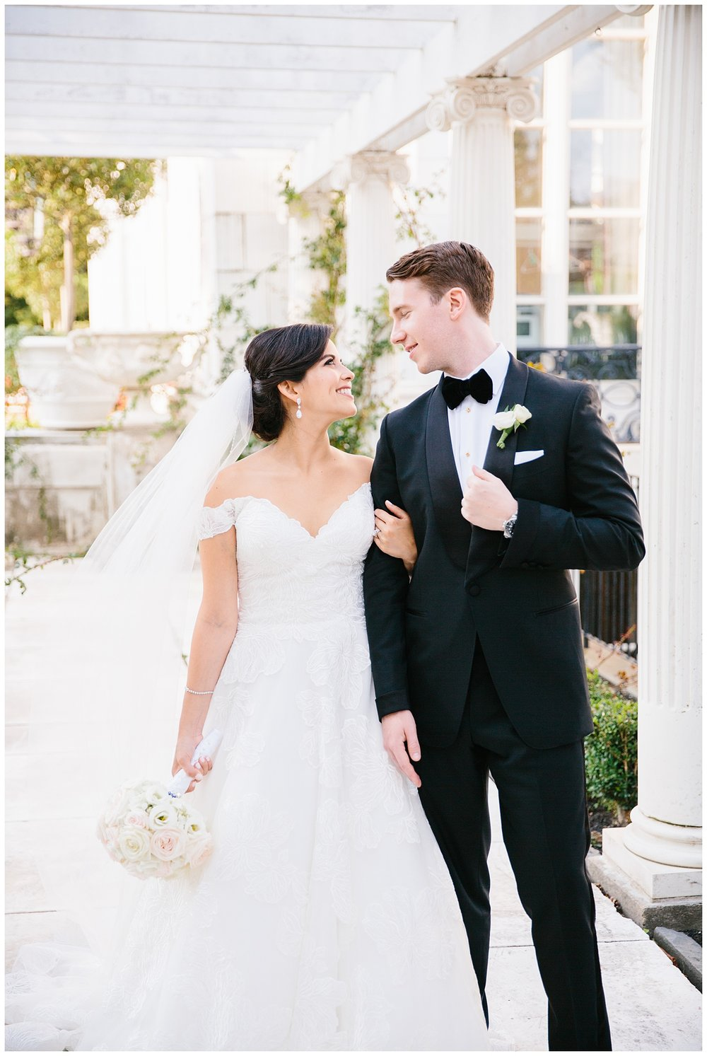 Stephen_Nathalie_Rosecliff_Mansion_Wedding_011.jpeg