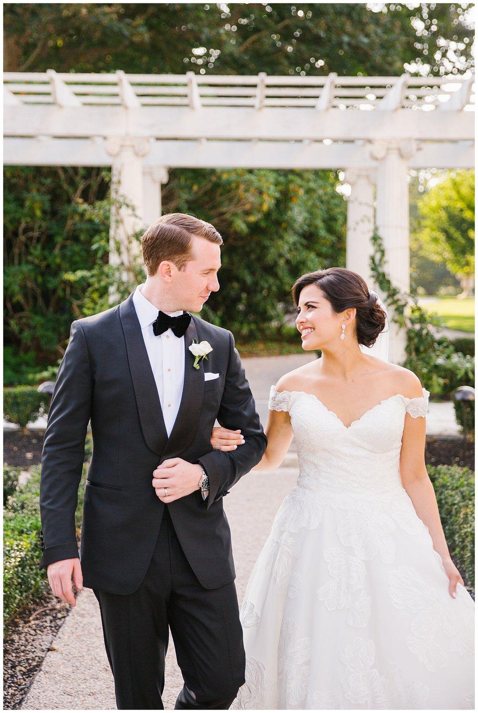 Stephen_Nathalie_Rosecliff_Mansion_Wedding_012.jpeg