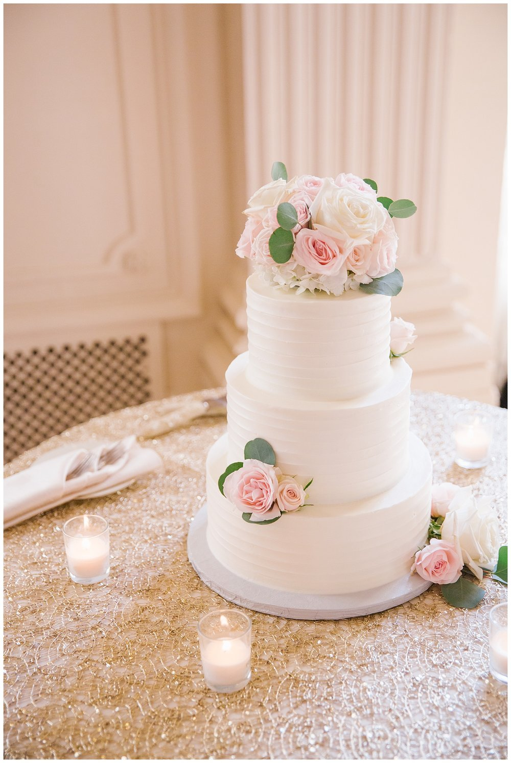 Stephen_Nathalie_Rosecliff_Mansion_Wedding_017.jpeg