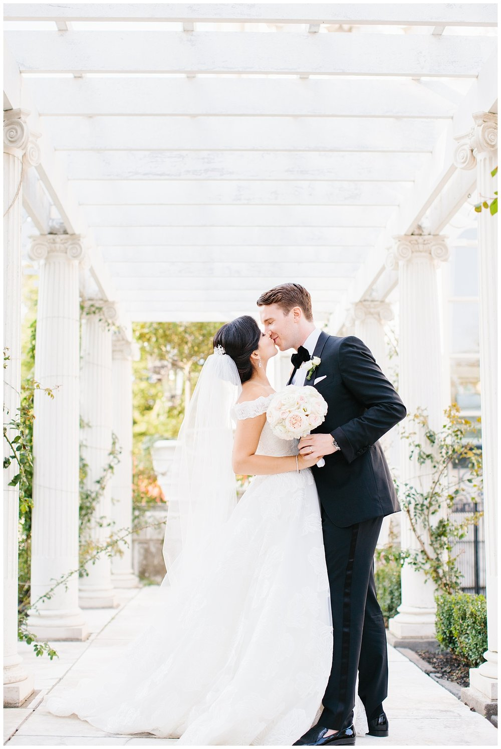 Stephen_Nathalie_Rosecliff_Mansion_Wedding_010.jpeg
