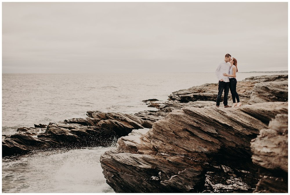 Dan_Sunni_Beavertail_Point_Engagement_Session_006.jpeg
