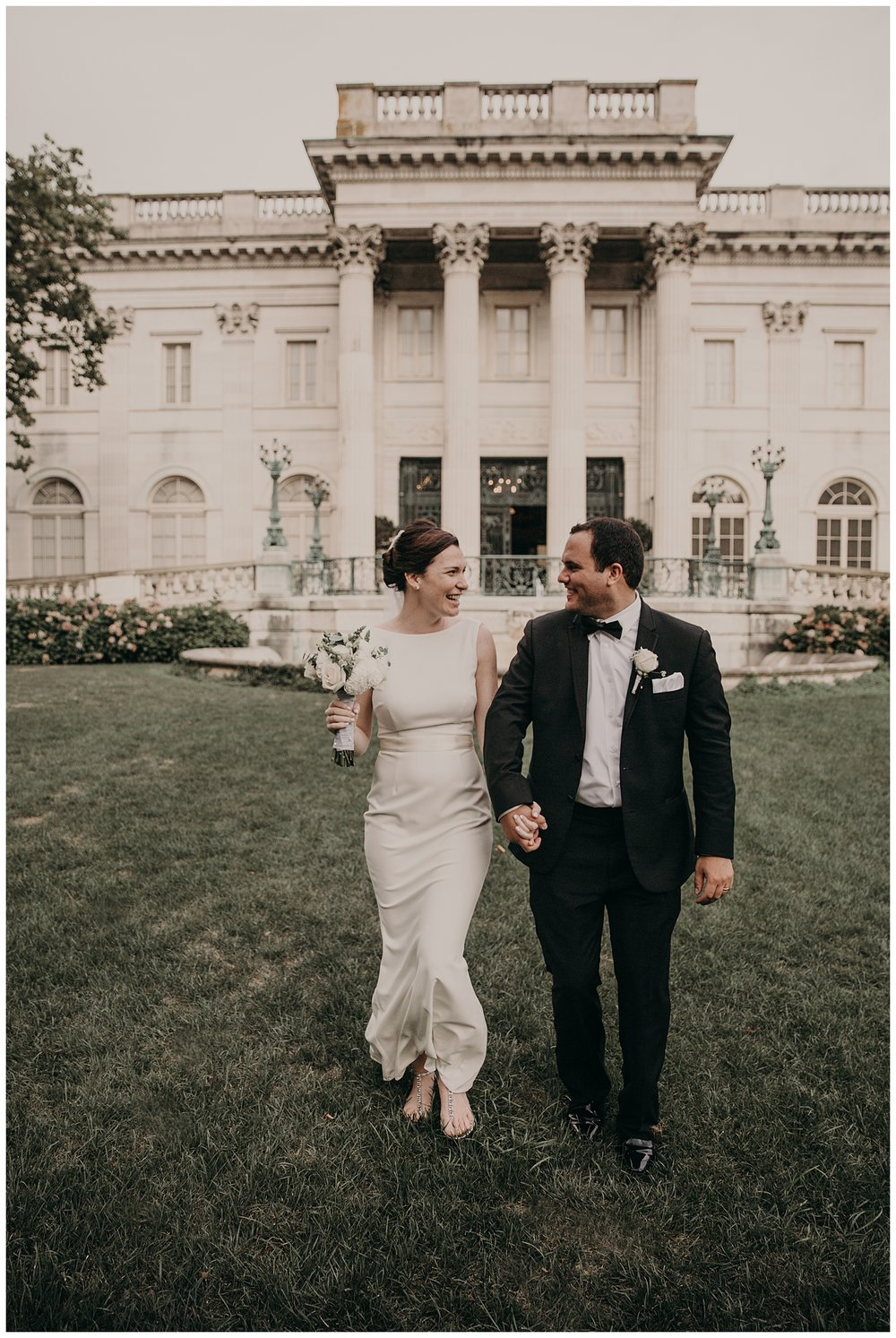 Mike_Kelly_Hotel_Viking_Newport_Rhode_Island_Wedding_015.jpeg