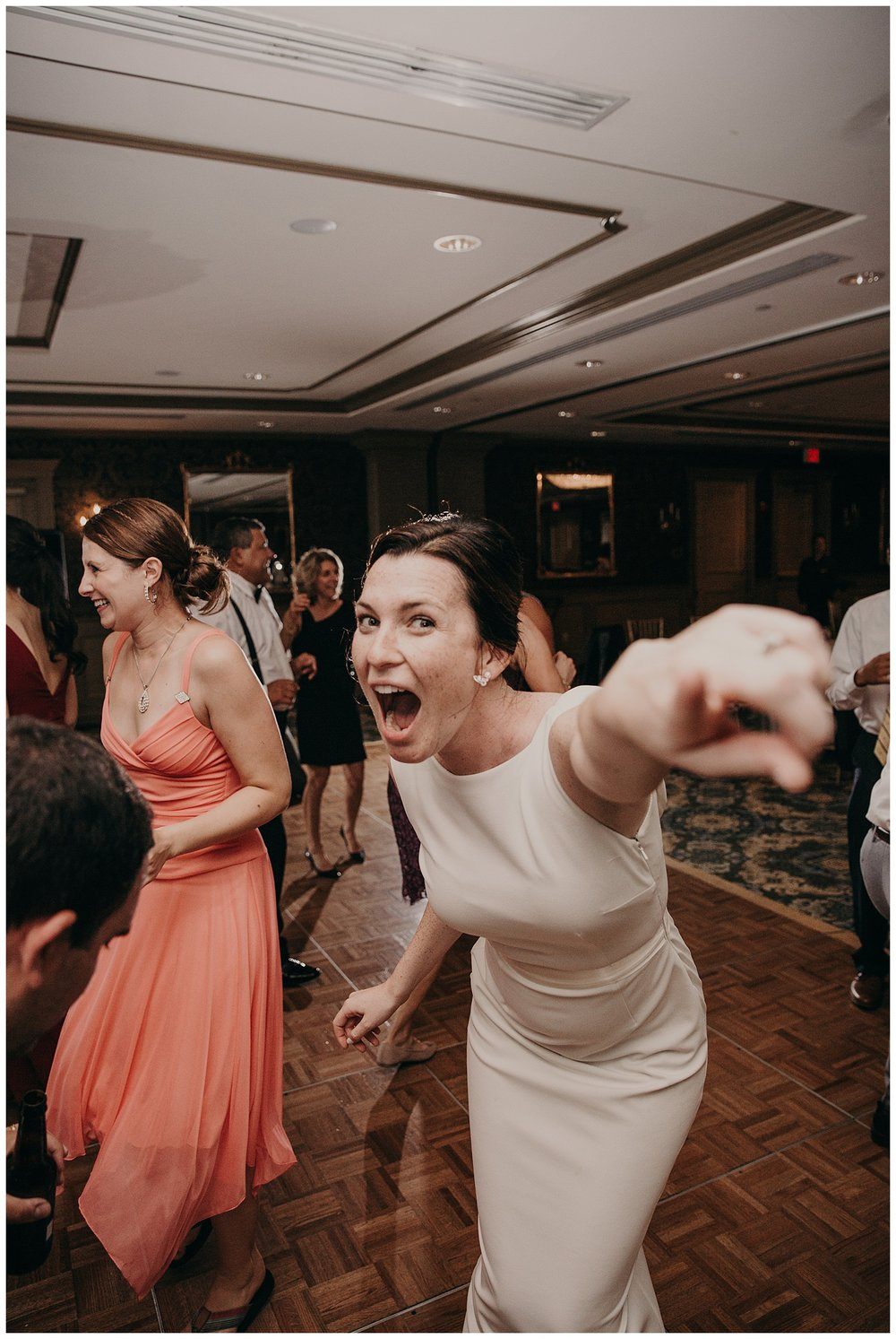 Mike_Kelly_Hotel_Viking_Newport_Rhode_Island_Wedding_032.jpeg