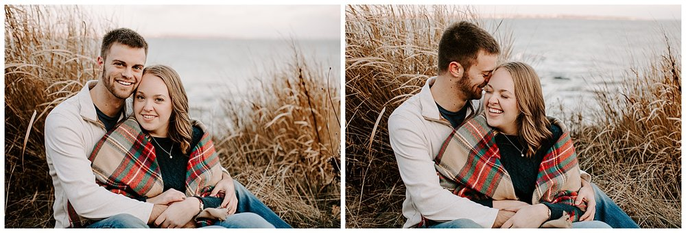 jay_kalyn_beavertail_beach_winter_engagement_session_jamestown_rhode_island01.jpg