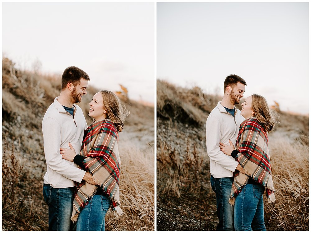 jay_kalyn_beavertail_beach_winter_engagement_session_jamestown_rhode_island00.jpg