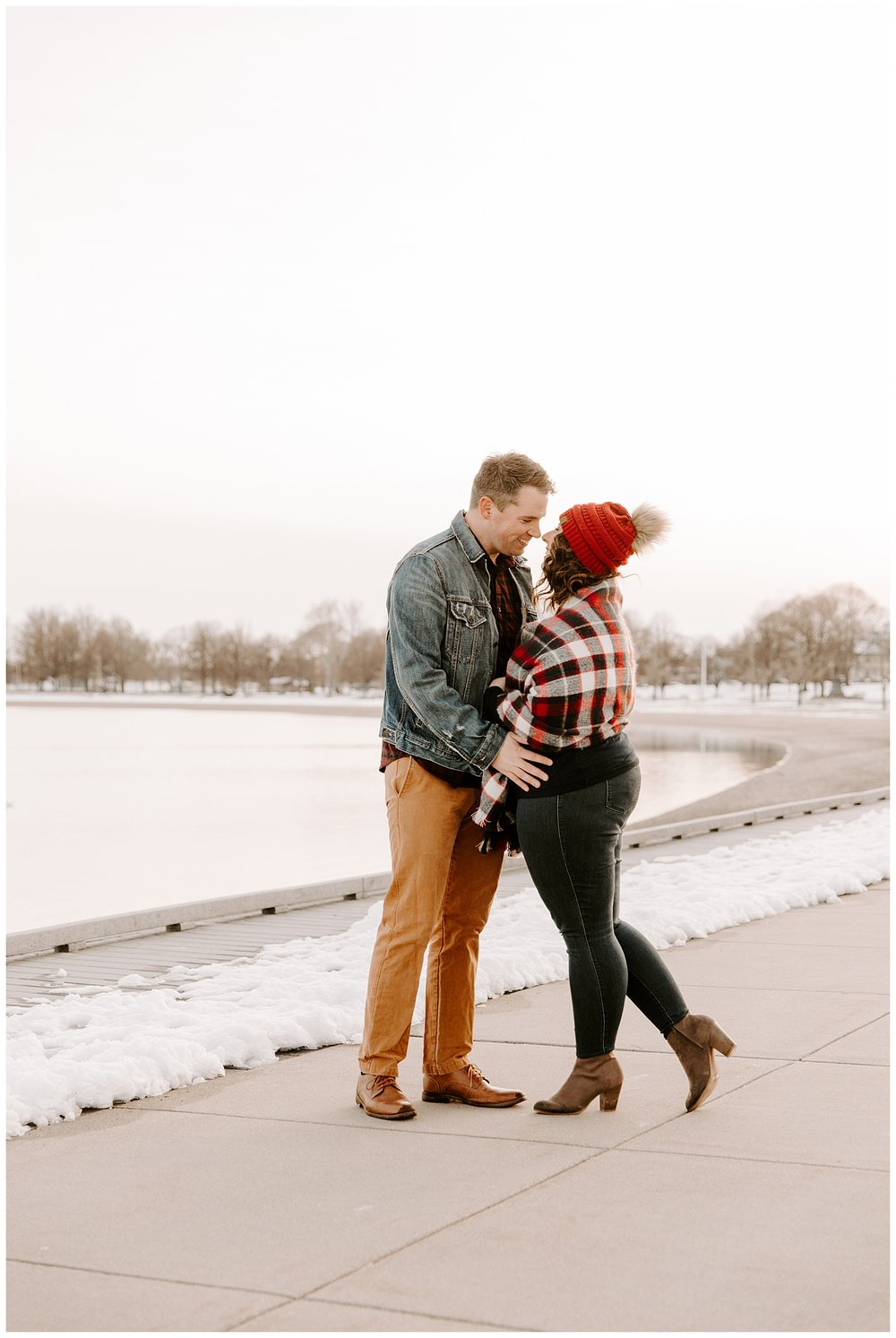 kevin-danielle-snow-winter-engagement-session-castle-island-boston11.jpg