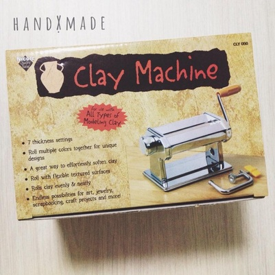 (Or clay machine as they say but essentially it's the same as a pasta machine heh)