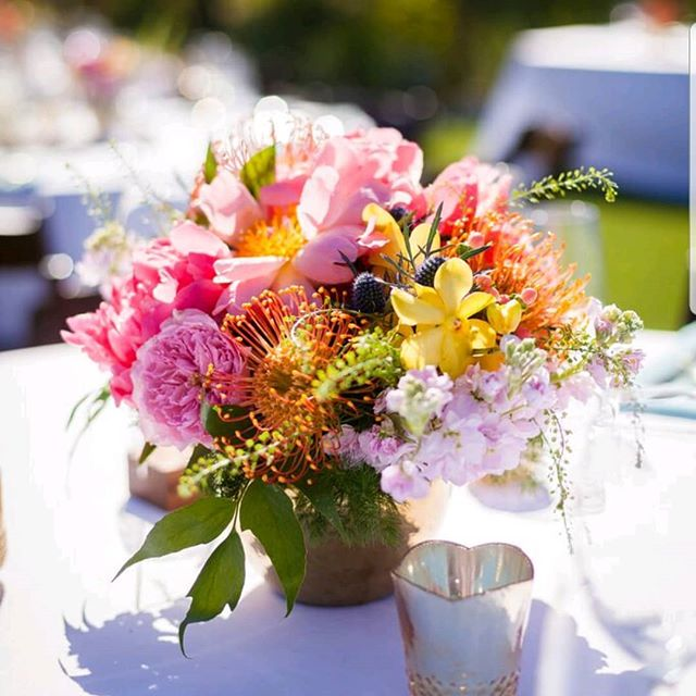Bright colorful vibes @colony29 Coordination-@nicolealexandraweddings  Photo-@nicolette_moku . . . . . #florist #flowers #floraldesigner #bridetobe #bouquet #weddingflorist #losangeleswedding #losangelesflorist #wedding #weddibgflowers #dsfloral #laflorist #weddinginspiration #weddinggoals #flowerstagram #bridebouquet #lawedding #palmspringswedding  #palmspringsflorist