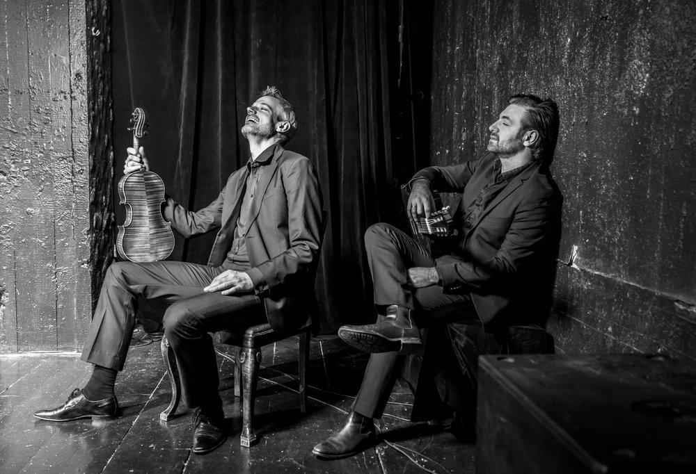 """BETYG 5 i DN : """" Med konsertföreställningen """"En timme natt"""" har de skapat en kammarmusikaliskt befriande fantasi att kontemplerande och kravlöst sjunka in i. """"  Läs Johanna Paulssons recension här."""