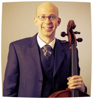 Cellisten Erik Williams spelar tillsammans med Maria Rostosky.