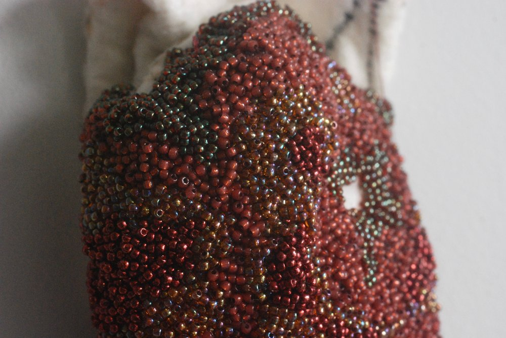 Zealot: kidney (detail) . Seed beads embroidered onto felt. 17,5 x 11,5 cm, 2018.