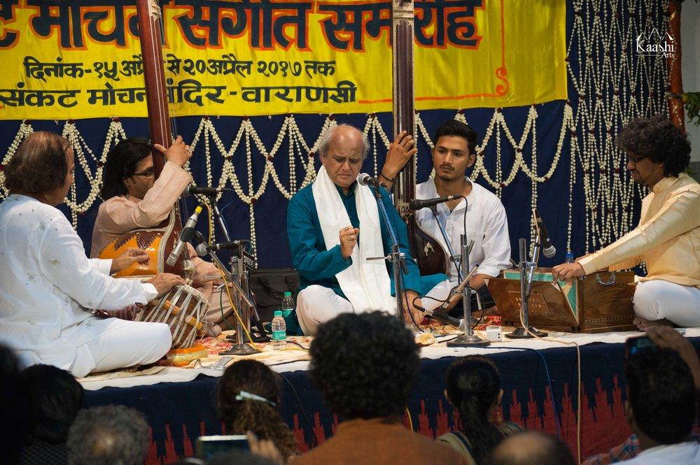 Pandit Ulhas Kashalkar ji with Pandit Suresh Talwalkar ji | Sankat Mochan Festival 2017 | Varanasi, India