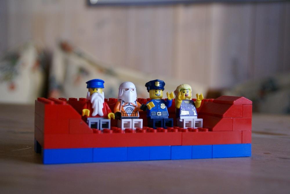 Håvard bygger vennskaps-sofa