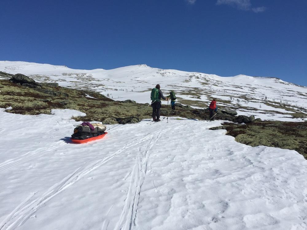 Første hinder - stort belte uten snø...