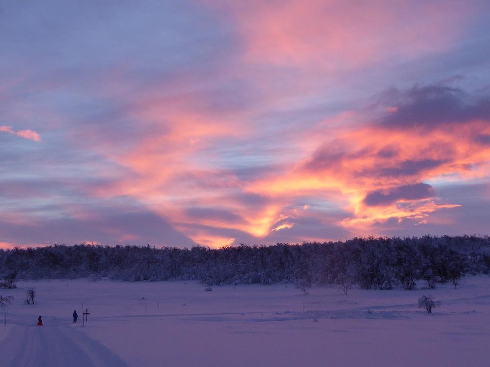 Solnedgang ved Ljosmyra, i løypenettet ved hytta