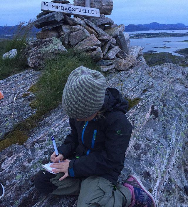 Solnedgangstur til Middagsfjellet, og navnet skal i boka! #ekspedisjon_utetid