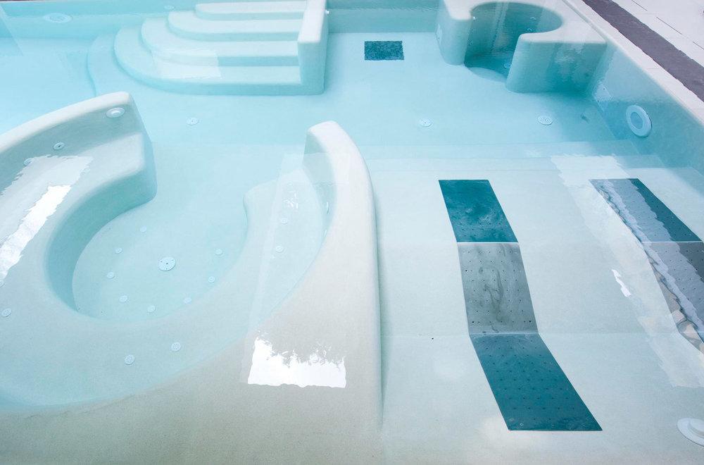 impianti piscina e finitura con resinatura