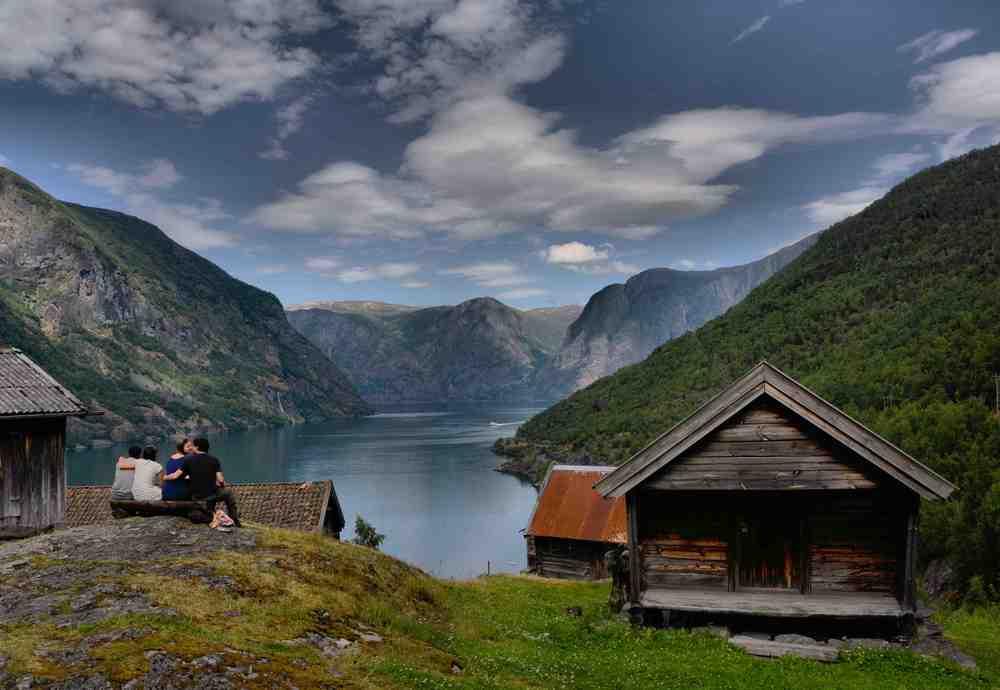 Otternes Aurland Naroyfjorden Foto Mal Dickson