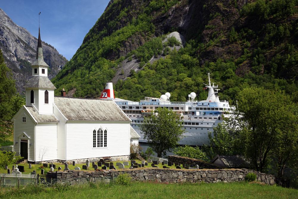 Naroyfjorden Bakka Kyrkje Foto: Thor Andresen