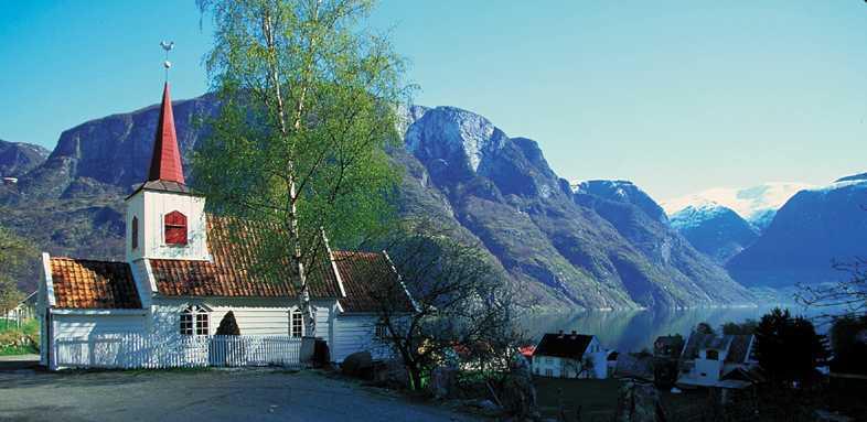 Foto: Kyrkja i Aurland