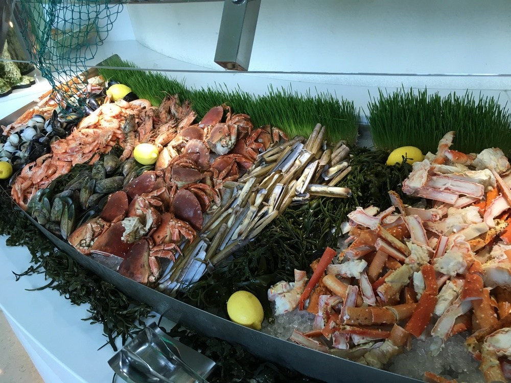 Crab legs, razor clams, mussels...oh my!