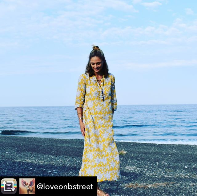 Repost from @loveonbstreet using @RepostRegramApp - Anyone else feeling anxious, like me, lately? It's VATA season! Think air, wind 💨. So, it's good to find things that are grounding 🌎. In our diets, #yoga practice, and even taking a walk to the water 🌊 (river in #NYC will do!) Hope I can sleep tonight. . #yogaeverydamnday #yogainspiration #santorini #greece #ocean #sea