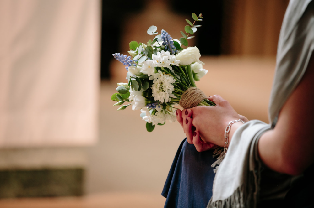 kent florist Jennifer Pinder London wedding in Dartmouth house spring flowers in blue and white 8.png