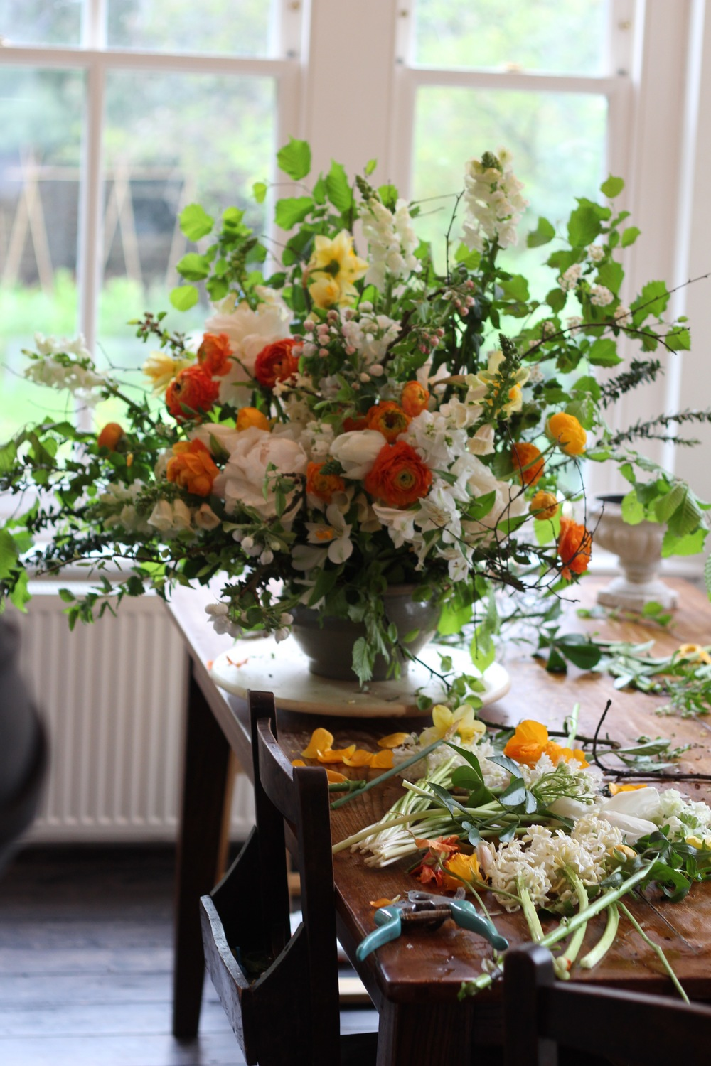 Kent London florist jennifer pinder holds a dutch master floristry lesson with british grown flowers