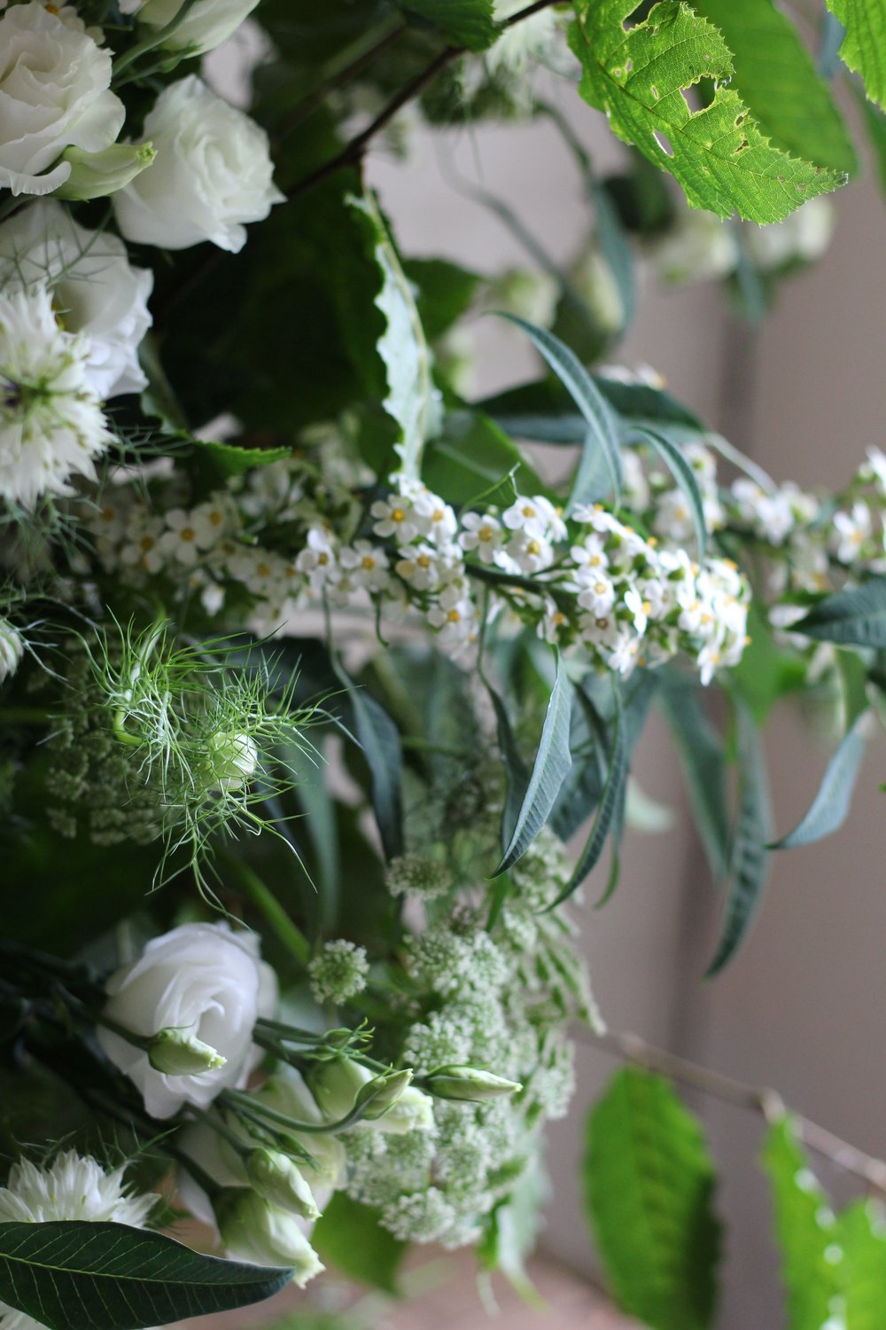 Jennifer Pinder Kent London florist flowers does a botanical themed green and white wedding at Jamies italain restaurant in London threadneedle street 1