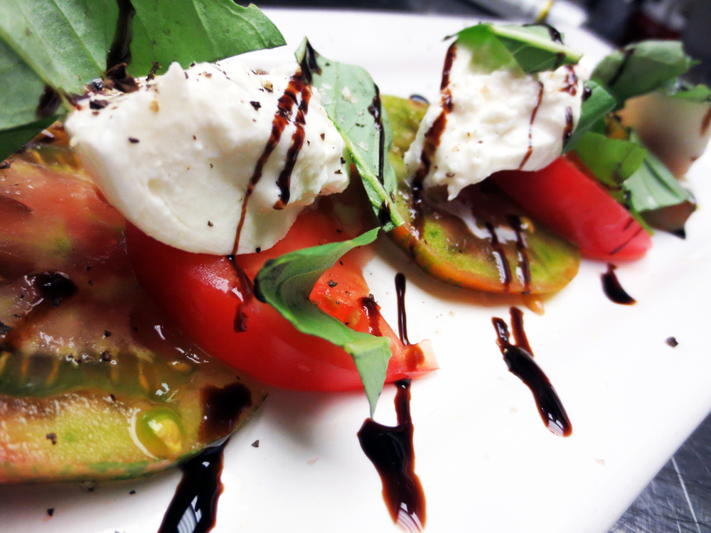 Heirloom-Tomato-Caprese.jpg