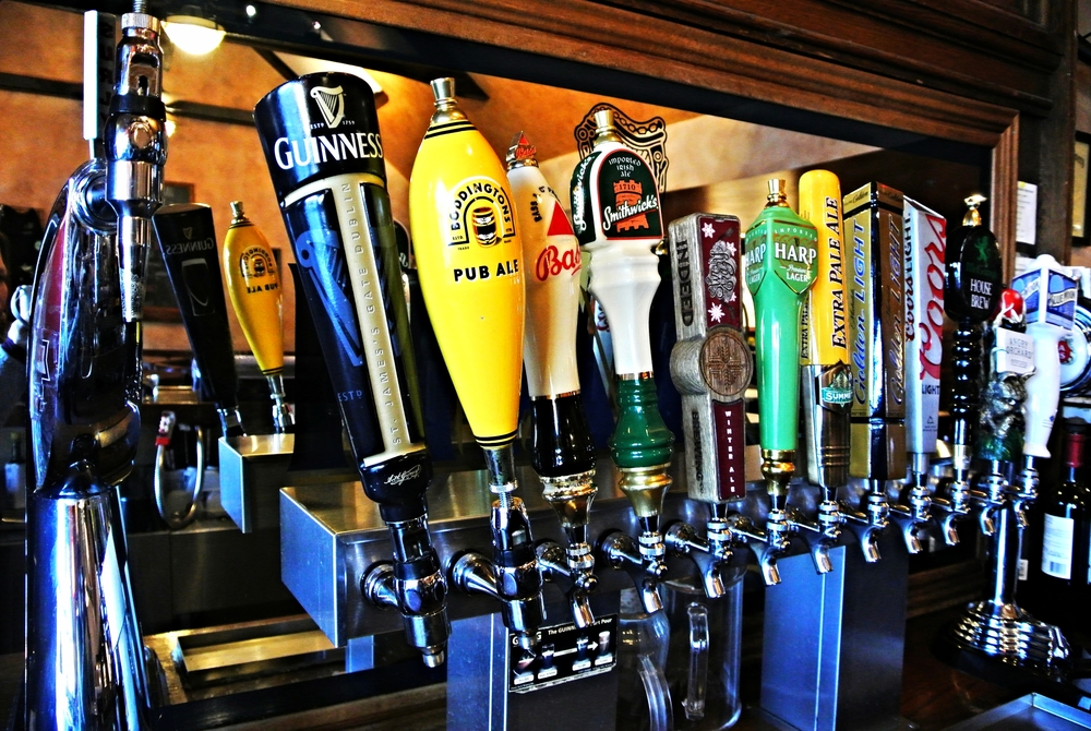 Well-stocked bar   Wines • Single-Malts & Liquor • Local Craft Beers • Guinness, Boddingtons & Harp on tap