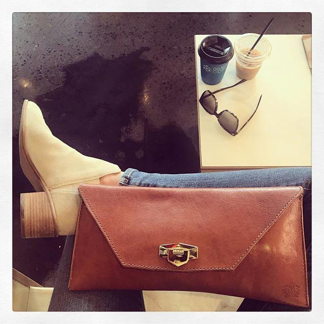 Mandolin // coffee date  #mandolinhandbags #dowhatyoulove #drschollsshoes #mandolintribe #handmadegifts #fashion #stlfashion #stlmade #coffee #gift #giftguide #stl