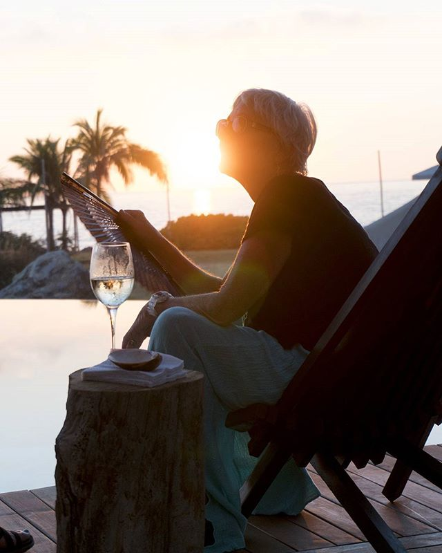 Wine & sunset in our brand new pool !  www.puntamajahua.com