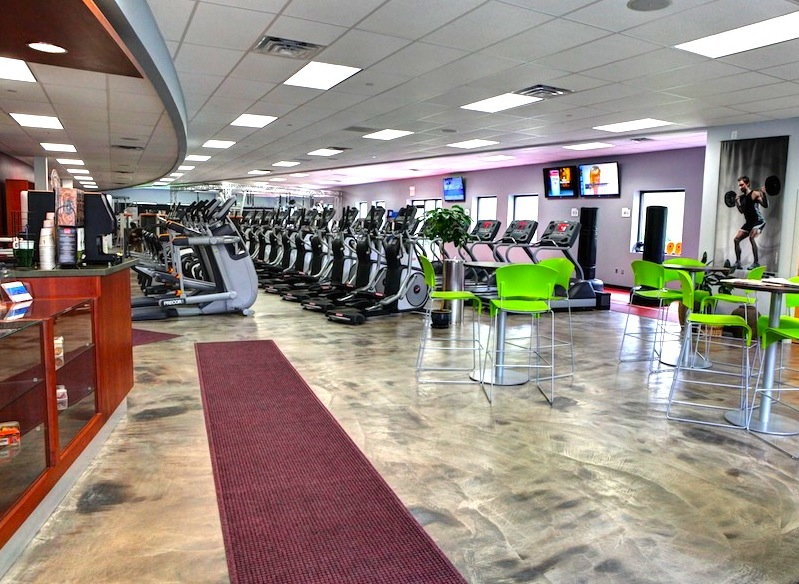 Gym Entrance & Cardio Area