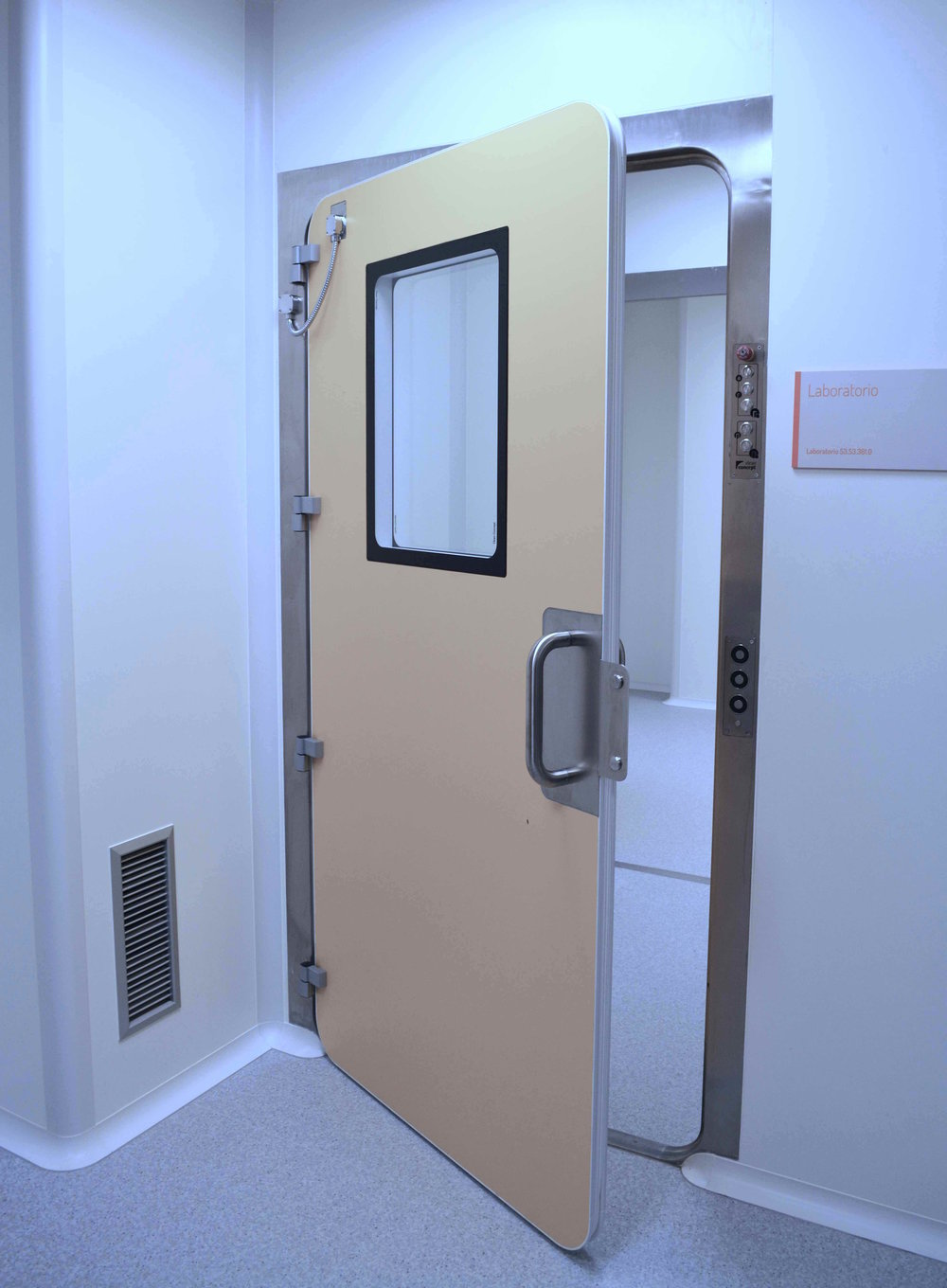 The leaves of the doors are sandwich panel. with outsidefinish made of phenolic resin sheets for a great impact resistance. & Leaktight Doors \u2014 VALORTECS   Séchage. Micronisation. confinement ...