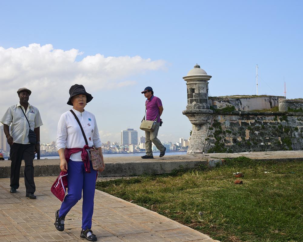 2014-11-30_tourists.jpg