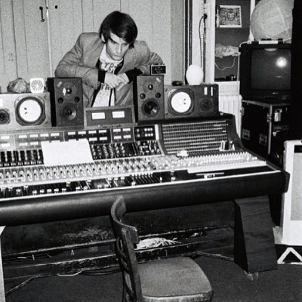 Can you turn up the Ondes Martenot please?    #johnnygreenwood #radiohead #recordingstudio #music
