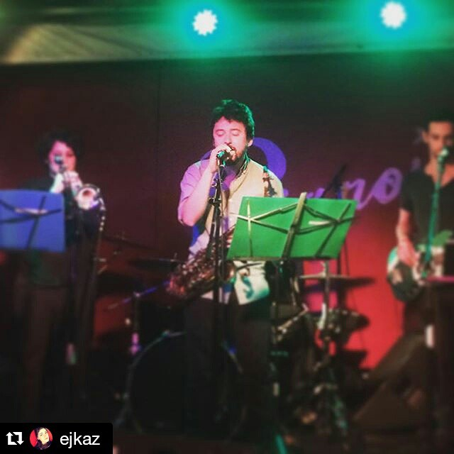 #Repost @ejkaz ・・・ THE MAN THE MYTH THE LEGEND #thegiftofmarc (at PIANOS)