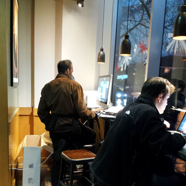 iMac in a Starbucks? Bold move.